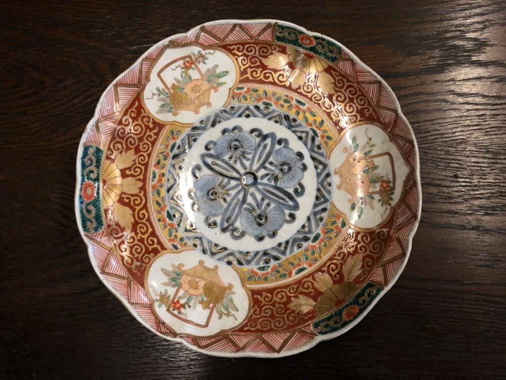 江戸  赤絵金襴手花籠図皿